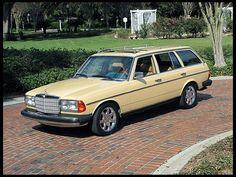 1982 Mercedes-Benz 300TF Station Wagon      I like these rims