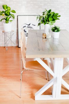 A DIY Farmhouse Tabl