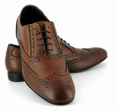 Antiqued Brouges from Vegetarian Shoes.  Wouldn't my husb look dashing in these.