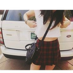 I want a plaid skirt like this so bad.