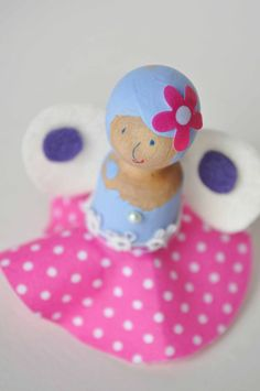 Do your kids make handmade Valentines? These wooden doll fairies are simple and sweet. By Curly Birds