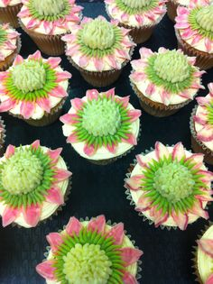 Succulent themes wedding cakes
