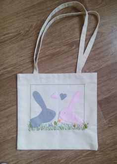 The size of the embroidered picture is 28cm X 28cm (11 X 11) The size of the bag without handles is 39cm X 38cm (15 X 15.5) 100% cotton fabric. Original design. EXPRESS SHIPPING!!!  If you have questions - contact me