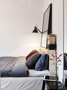 Attractive Schlafzimmer Schwarz Schwarze Wand Heller Boden Spiegel | Schlafzimmer  Ideen   Schlafzimmermöbel   Kopfteil | Pinterest Amazing Ideas