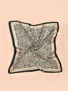 Natural Blush, Diy Scarf, Scarf Design, Bandana Print, Abaya Fashion, Silk Scarves, Fashion News, Ideias Fashion, Women Accessories