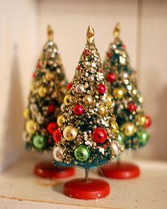Resultado de imagem para decoração de natal com mini aRVORES