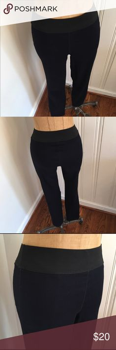 Nine West navy stretch legging pants xs Great flattering fit. Pull on style. Worn once. Nine West Vintage America collection Nine West Pants Leggings
