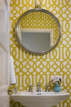 Cloakroom colorful wallpaper idea