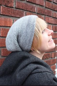 Ravelry: Rikke Hat pattern by Sarah Young, recommended, DK / 8 ply wpi) , US 4 and US 225 yds Beginner Knitting Patterns, Knitting For Beginners, Free Knitting, Knitting Projects, Simple Knitting, Knitting Needles, Knit Or Crochet, Crochet Pattern, Crochet Hats
