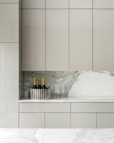Best 60 Modern Kitchen Design Photos And Ideas - Page 18 - Dwell Kitchen Lighting Design, Kitchen Room Design, Kitchen Cabinet Design, Modern Kitchen Design, Kitchen Layout, Home Decor Kitchen, Interior Design Kitchen, Home Kitchens, Modern Grey Kitchen