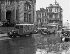Romania People, Bucharest Romania, Old City, Antique Furniture, Nostalgia, Street View, Memories, Places, Pictures