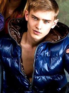 Men's Leather Jacket, Leather Men, Mens Down Jacket, Men's Coats And Jackets, Winter Jackets, Puffy Jacket, Hot Boys, Cute Guys, Male Models