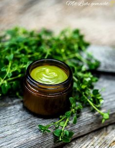 Chickweed medicinal effect & ointment itself we use the valuable wild herb … - Modern Dead Sea Cosmetics, Medicinal Herbs, Natural Cosmetics, Vitamins And Minerals, Ayurveda, Candle Jars, Herbalism, Medicine, Remedies