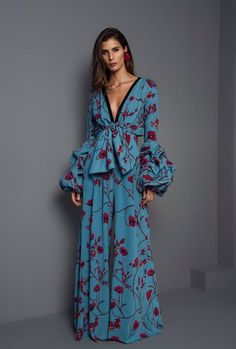 Johanna Ortiz Fall 2017 Vogue.com Mode Bleu, Tenue, Robes Mexicaines,  Vetement 41dd9221d151