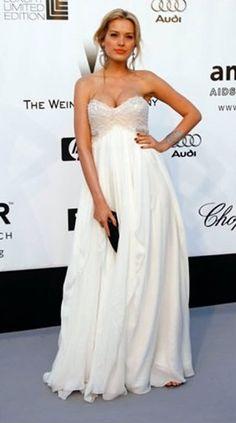 Beautiful Marchesa dress!
