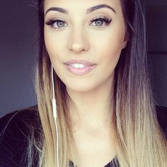 ombre hair / make-up. Beauty Makeup, Hair Makeup, Hair Beauty, Silvester Make Up, Blaues Make-up, Date Night Makeup, Natural Wavy Hair, Natural Makeup, Dream Hair