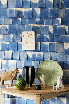 Discover our fabric and wallpaper ideas on HOUSE - design, food and travel by House & Garden, including these eclectic displays using everyday items. Architecture Restaurant, Motifs Textiles, Fabric Wallpaper, Wallpaper Ideas, Wallpaper Crafts, Wallpaper Uk, Room Decor, Wall Decor, Objet D'art