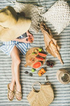 Summer picnic setting with wine in – SummerBlue Picnic Set, Beach Picnic, Picnic Time, Summer Picnic, Picnic Parties, Picnic Ideas, Picnic Photography, Fruit Photography, Picnic Lunches