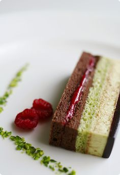 Chocolate+Almond/Raspberry/Chocolate/Pistachio+Almond/Pistachio/Chocolate Nordljus: Ambroisie - Refined