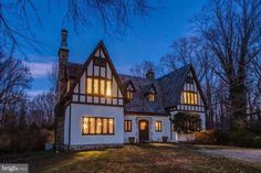 1927 Tudor Mansion For Sale In Greenwich Connecticut — Captivating Houses Old Mansions, Mansions For Sale, Mclean Virginia, Greenwich Connecticut, Weston Connecticut, Storybook Homes, Cabins For Sale, Pump House, Revival Architecture