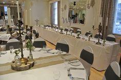 Winter wedding at the Royal seven stars Totnes, venue dressing Wild Floral Designs