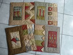 Make them more rectangular for an adorable Mug Rug. Christmas Patchwork, Christmas Sewing, Handmade Christmas, Colchas Country, Quilting Projects, Sewing Projects, Annie Downs, Quilted Gifts, Mug Rugs