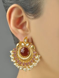 They are certainly distinct and attention-catching. Pick from a range of multicolored or monochromatic designs, mix and match according to your clothes, and existing fashion jewelry. Gold Jhumka Earrings, Jewelry Design Earrings, Gold Earrings Designs, Gold Jewellery Design, Designer Earrings, Sterling Silver Earrings, Jewelry Sets, Handmade Jewellery, Earings Gold