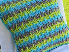 Textured Throw Pillow Cover By CrochetDreamz - Free Crochet Pattern - (crochetdreamz.blogspot)