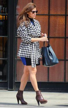 Eva Mendes wearing Ch Carolina Herrera Matryoshka Bag in Black and Thierry Lasry Annalynny in Blue Multi Color Tortoise.