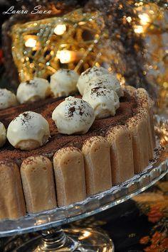 Napolitane cu nuca de cocos si ciocolata | Retete culinare cu Laura Sava - Cele mai bune retete pentru intreaga familie Oreo, Cheesecake, Muffin, Food And Drink, Mousse, Vegan, Breakfast, Desserts, Recipes