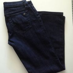 "Joe's Jeans Details: 98% Cotton, 2% Spandex Size 26 27.5"" Inseam In great condition Joe's Jeans Jeans"