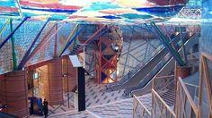"""La estación de Olaias  es una de """"Las diez estaciones de metro más espectaculares del mundo""""   @abcviajar  23/1/2013  La estación de Olaias, obra del arquitecto Tomás Taveira e inaugurada en 1998, es una de las más modernas de Lisboa. Su gran colorido y su construcción con grandes columnas y arcos de hierro invitan a visitarla. Está considerado uno de los más bonitos y limpios de Europa. Se inauguró en 1959 ... Tiene 56 estaciones y cuatro líneas. #Portugal"""
