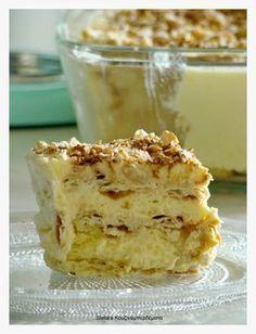 Stella's Kouzinomperdemata: Sweet Radiator like . Greek Sweets, Greek Desserts, Cold Desserts, Summer Desserts, Greek Recipes, Desert Recipes, Easy Desserts, Delicious Desserts, Greek Cake