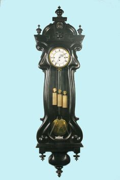 Drie gewichter Mantle Shelf, Mantle Clock, Antique Watches, Antique Clocks, Grandfather Clocks, Pendulum Clock, Old Antiques, Wood Clocks, Silver