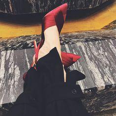 "416 aprecieri, 16 comentarii - Daniela Macsim (@danielamacsim) pe Instagram: ""Shoes of the day 👑 #zara #beauties"""