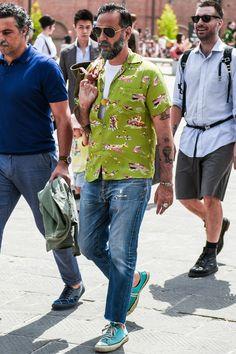"""夏靴 メンズ ①「耐久性&通気性抜群!キャンバス地の""""ローテクスニーカー""""」 Casual Outfits, Summer Outfits, Men Casual, Fade Styles, Men Looks, Vintage Fashion, Menswear, Street Style, Style Inspiration"""