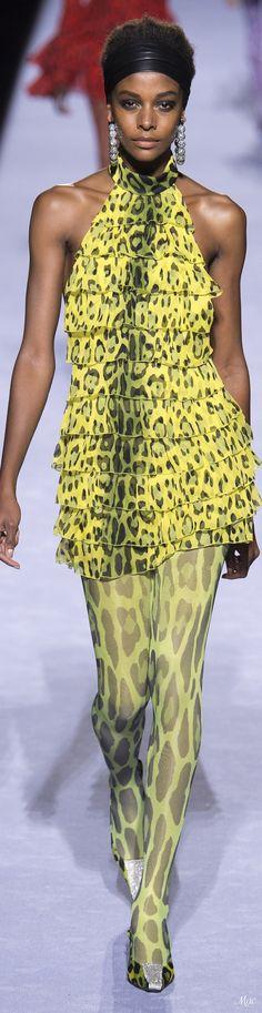 Fall 2018 RTW Tom Ford Fashion 2018, New Fashion, High Fashion, Fashion Dresses, Womens Fashion, Mellow Yellow, Black N Yellow, Animal Print Fashion, Costume