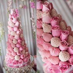 chocolate-coated-strawberry-tower-wedding