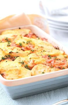 Salmon and potato bake -- Low FODMAP Recipe and Gluten Free Recipe #lowfodmaprecipe #glutenfreerecipe #lowfodmap #glutenfree   http://www.ibs-health.com/low_fodmap_salmon_potato_bake121.html