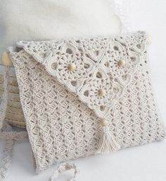 When I first saw this pic I thought it was a really neat #crochet pillow, so there's another idea for this pattern. White Crochet Bag - Free Crochet Diagram - (clubmasteric)