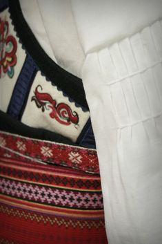 (1) Beltestakk   FINN.no Fanny Pack, Bags, Fashion, Hipster Stuff, Hip Bag, Handbags, Moda, Fashion Styles, Waist Pouch