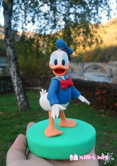 Donald Duck figure, Paperino, fondant, pasta di zucchero, sugar paste, cake topper, milkyway