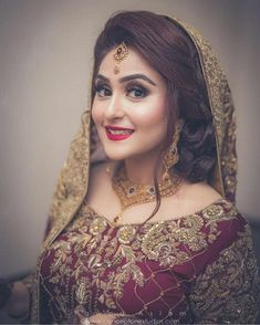 wedding hairstyles pakistani Shared by f. Find images and videos on We Heart It - the app to get lost in what you love. Pakistani Bridal Makeup Hairstyles, Bridal Hairstyle Indian Wedding, Bridal Hair Buns, Bridal Hairdo, Pakistani Wedding Outfits, Indian Bridal Makeup, Bridal Photoshoot, Bridal Pics, Pakistani Dresses