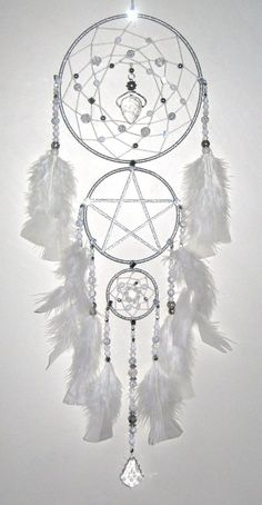 Angelic Triple handmade fantasy dreamcatcher - silver - white with crystal gemstones Dream Catcher Craft, Dream Catchers, Dream Catcher Mobile, Los Dreamcatchers, Diy And Crafts, Arts And Crafts, Medicine Wheel, Sun Catcher, Crystals And Gemstones