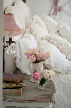 :I LOVE A BED COVERED IN PILLOWS. . . NOW ALL I NEED TO DO IS RECOVER THEM, AND DRESS UP MY ROOM. . .