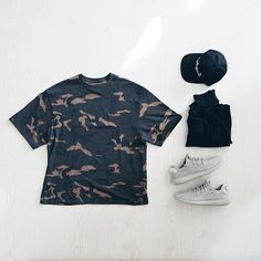 Outfit grid - Camo T-shirt today