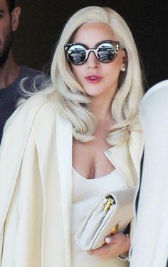 4141e07b89b5a5 Cena de filmagem em American Horror Story  Hotel Mode, Costume De Lady Gaga,