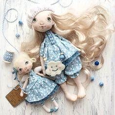 Вот они, мои неразлучные девочки - легкие, как весенний ветерок, воздушные, как облака в небе... #люблюажнемогу #кукла #текстильнаякукла #авторскаякукла #куклаизткани #куклысахаровойнатальи #ангел #Ангельскаядевочка #подружки#doll #dollmaker #handmade #handmdedoll #уютныйдом Малышки проданы.
