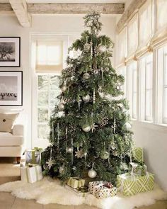 christmas tree ideas decorating white flocked tree siver green colors