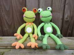crochet tree frog pattern  | Fernando and Franklyn Frog Amigurumi Crochet by mojimojidesign